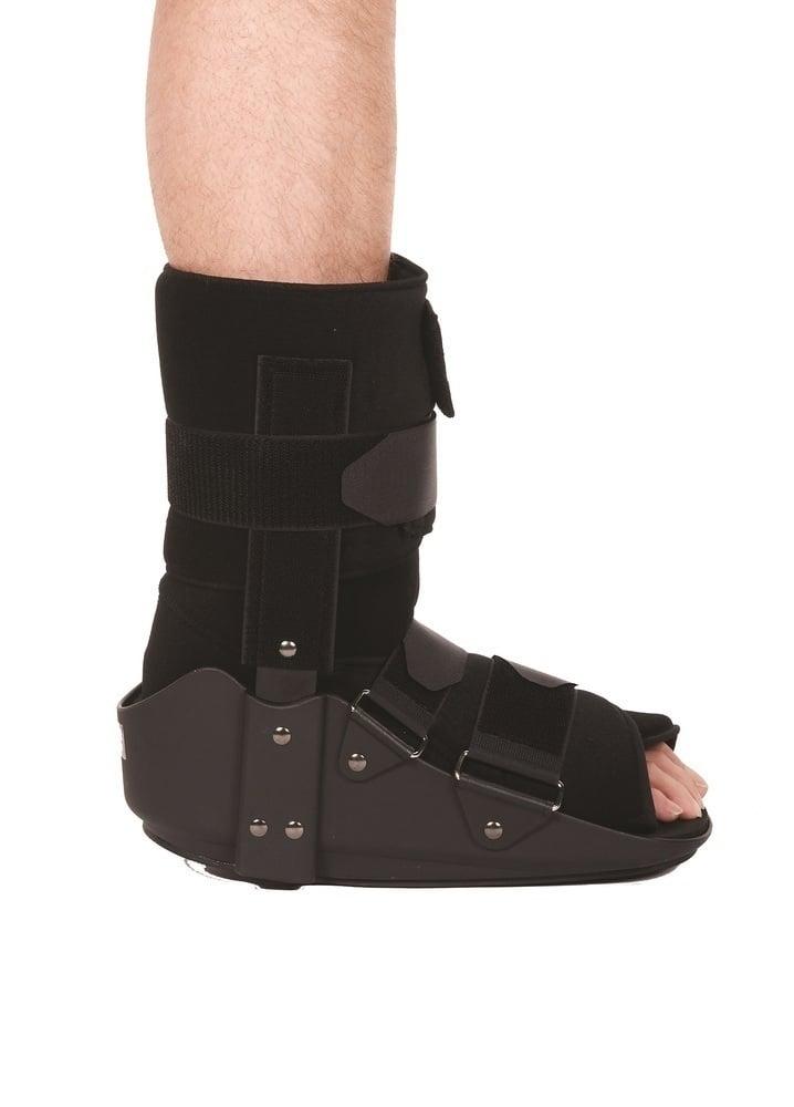 Adco Νάρθηκας (05421) Ακινητοποίησης Ποδοκνημικής Χαμηλός (μπότα), Κατάλληλος για κατάγματα κνήμης, σφυρών, πτέρνας, μεταταρσίων και υποστήριξη σε σοβαρά διαστρέμματα ποδοκνημικής, 1 τεμάχιο - Large
