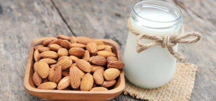 Πώς να φτιάξετε γάλα από αμύγδαλα