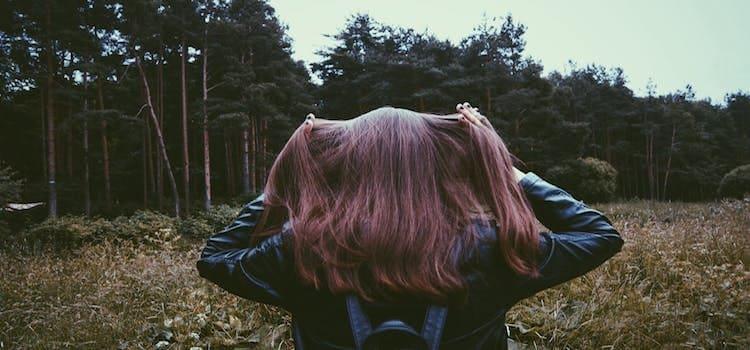 4 must τροφές που πρέπει να τρως καθημερινά αν θες να έχεις λαμπερά μαλλιά