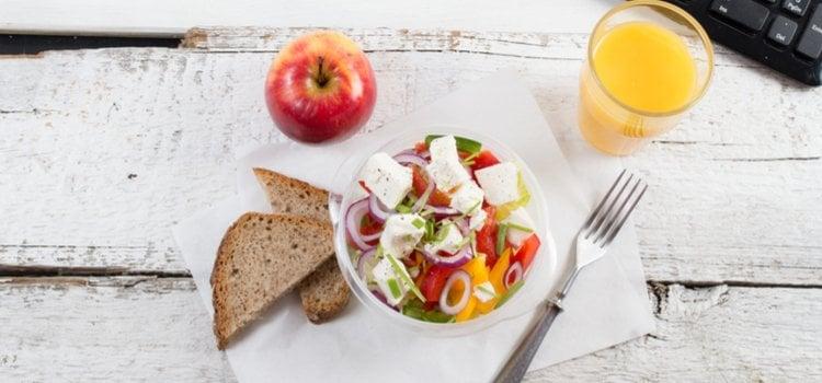 10 ιδέες για υγιεινά snacks στο γραφείο