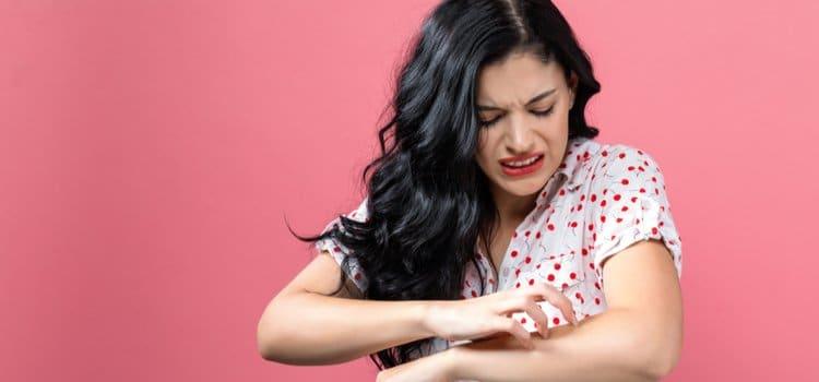 Να πώς θα αντιμετωπίσεις τον κνησμό σε 1 λεπτό