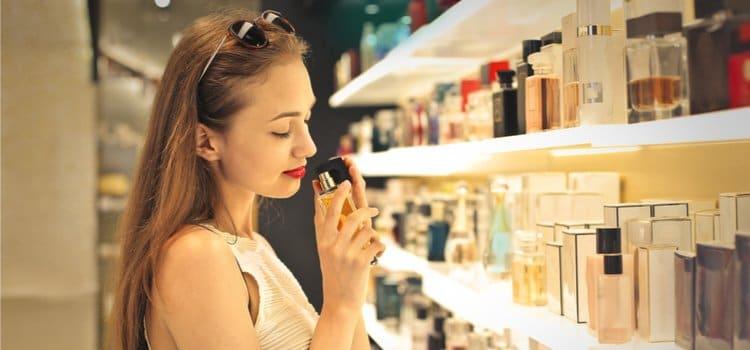 Τα must-have προϊόντα μακιγιάζ που δεν πρέπει να λείπουν από το νεσεσερ σου