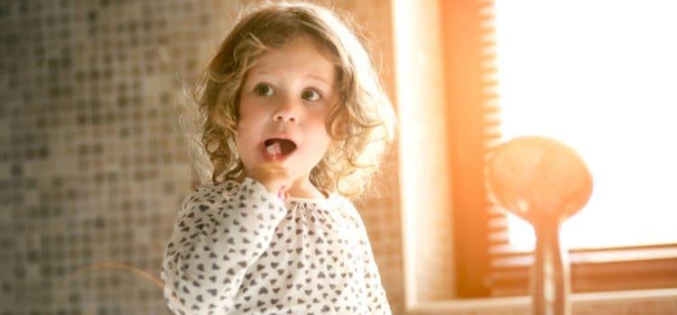 5 Τρόποι Για Να Κάνεις Το Βούρτσισμα Του Παιδιού Συνήθεια