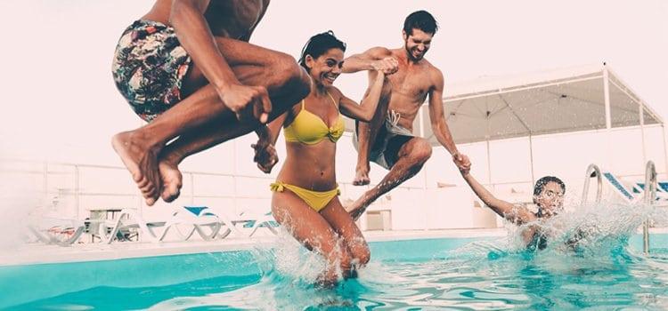 Καλοκαίρι και υγεία: Τι πρέπει να προσέξεις στο μπάνιο