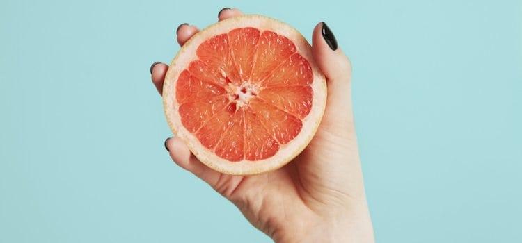 5+1 σέρουμ με βιταμίνη C και πώς να τα επιλέξεις