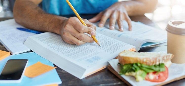 Διατροφικές συμβουλές κατά την περίοδο των εξετάσεων