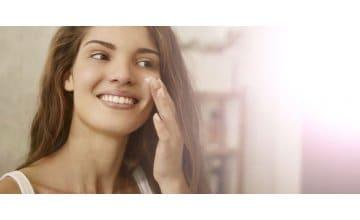 Πρωινή φροντίδα προσώπου - Τα σωστά βήματα για ένα λαμπερό και υγιές δέρμα