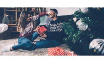 7 Χριστουγεννιάτικες ιδέες για δώρα για εκείνον