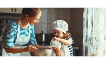 Κέικ για πρωινό με παιδικά μπισκότα Hipp, ταχίνι & γιαούρτι