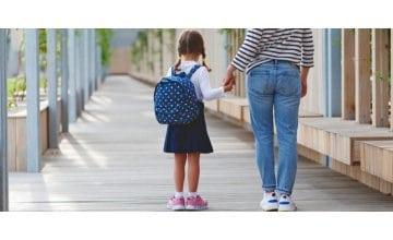 Πώς θα βοηθήσω το παιδί μου να προσαρμοστεί πιο εύκολα στη νέα σχολική περίοδο