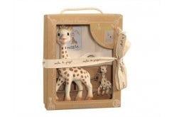 Sophie la Girafe so Pure Prestige Gift Box 616329 Σόφι η καμηλοπάρδαλη, 1 τεμάχιο, μπρελόκ, 1 τεμάχιο & θήκη από 100% οργανικό βαμβάκι, 1 τεμάχιο