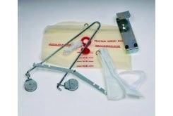 ADCO Σετ Έλξης Αυχένος (01108) Περιέχει μηχανισμό έλξης, υφασμάτινη θήκη αυχένος, σκοινί και βάση θήκης, σακούλα νερού, Κατάλληλο για αυχενικές δισκοπάθειες, στενώσεις και χρόνιο αυχενικό σύνδρομο, Ένα Μέγεθος - One Size, 1 τεμάχιο