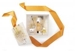 Darphin Lumière Essentielle Set με llluminating Oil Serum Ορός Προσώπου για Λάμψη & Ενυδάτωση, 30ml, Iluminating Oil Gel-Cream Κρέμα Προσώπου για Λάμψη, 5ml & Darphin Tangerine Mandarine Aromatic Care Αρωματικό Έλαιο Εσπεριδοειδών, 4ml